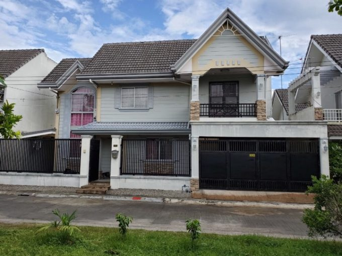 Fully furnished house and lot in Timog Park Homes