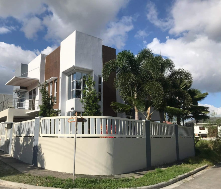 Savannah Green Plains fully renovated house and lot for sale