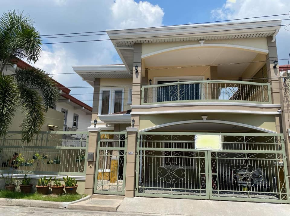 Angeles City house and lot with pool for sale