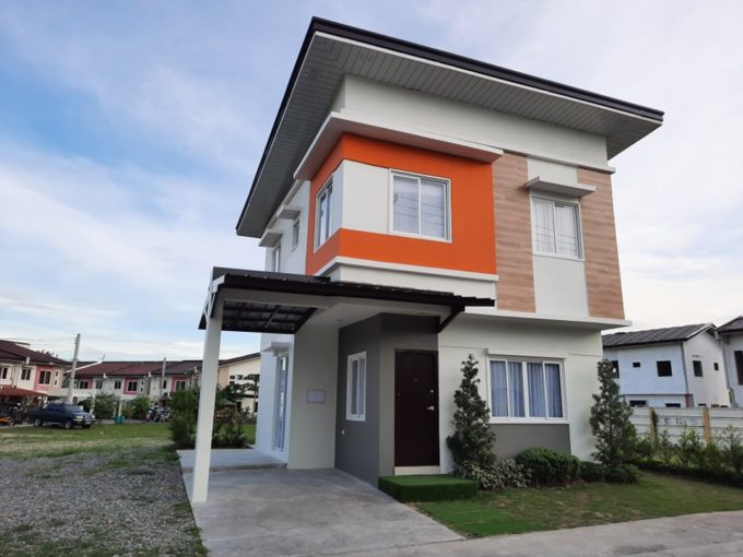 Mansfield Residences Russet Model for sale!