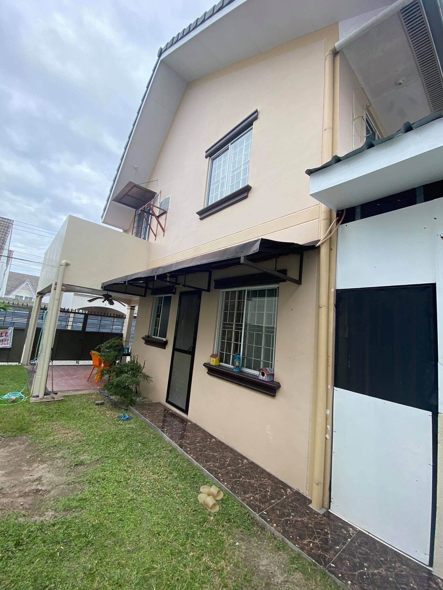 House and lot near Korean Town Angeles City for sale!